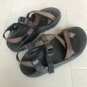Brown black Chaco strap sandals size 9